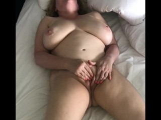 Horny Naked Wife Rubs Her Pussy to Orgasm – Naughty Homemade