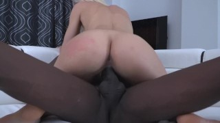 Extreme dilatation of Kitana Lure's pussy by a big black dick Cock fake