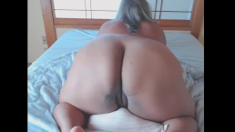 Thick Bbw humps, grinds, and cums on her pillow.