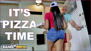 BANGBROS - Black Pizza Delivery Girl Moriah Mills Delivers Her Big Ass