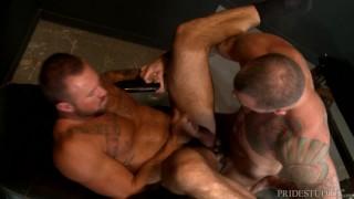 MenOver30 Sexy Muscle Hunk Friends Sean Duran & Michael Roman Teen venture