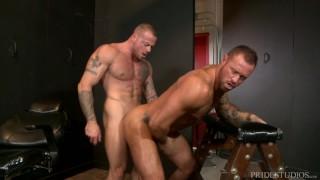 MenOver30 Sexy Muscle Hunk Friends Sean Duran & Michael Roman porno