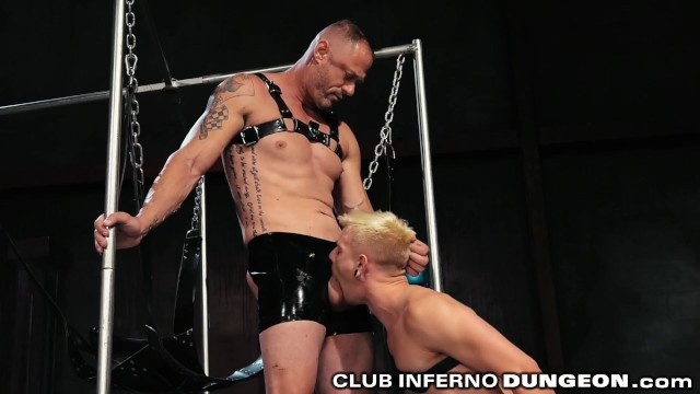 Extreme old young gay tgp Clubinfernodungeon amateur extreme fetish daddy gets fisted
