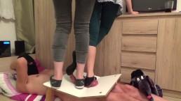 CBT Trample avec deux dames cruelles - part3 (elles détruisent le cockbox)