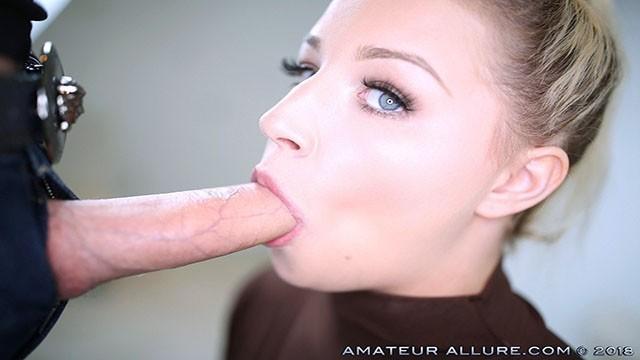 Amateur girl nude in bedroom