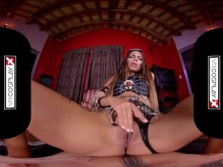 VRCosplayX.com Latina Villian Baby Nicols Becomes Horny Enchantress XXX