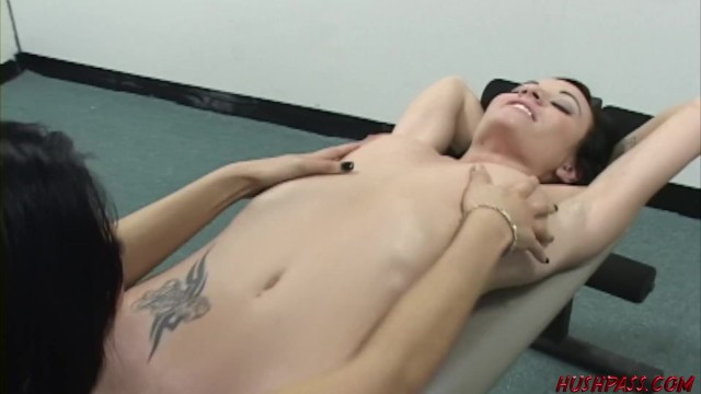 Download Gratis Video Nikita College girl goes home with hot Asian lesbo for pussy eating fun