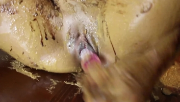Peanutbutter, Chocolat Topping and Masturbation on the Kitchentable