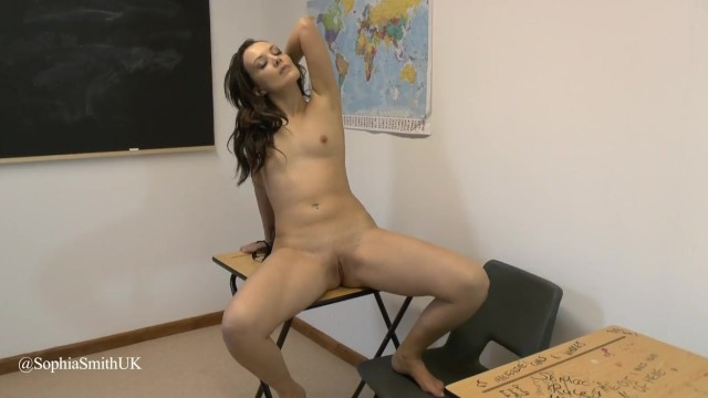 College Girl Masturbates Whilst Her Parents Are In Next Room 8