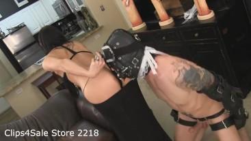 A Cuck that Makes Your Panties Drop