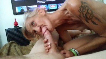 Cougar milf gives her man best gumjob cowgirl ride ever