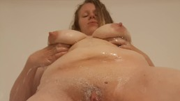GIANT TITS BBW BLONDE MILF SOPHIE PLAYS IN THE SHOWER AND GETS ALL SOAPY!