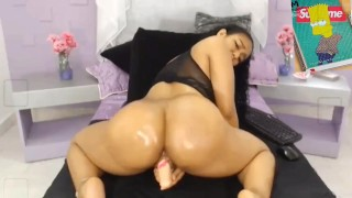 PUERTO RICAN FUCKS HER SELF TO GOOD / THICK SEXY