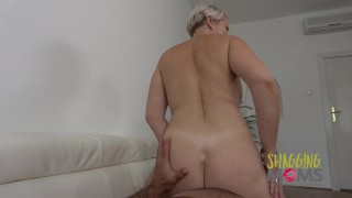 Thick MILF Loves Getting Pounded On The Sofa porno