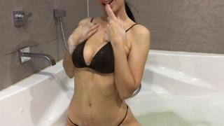 Hot girl takes a bath and masturbates - Mini Diva Worship cum