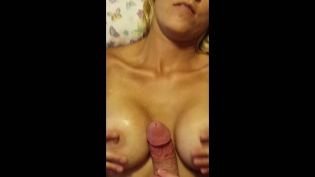 Download Gratis Video  Com shots and a couple creampies
