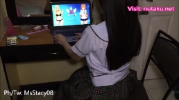 Pinay high school student gets intense orgasm while playing nutaku game