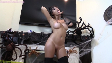 Janessa Brazil Catwoman Domination