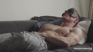 Maskurbate Straight Muscle Hunk Masturbates Thinking Of You