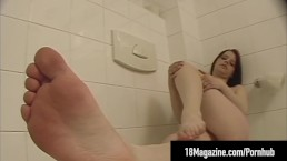 Young Redhead Piper Fawn Shows Off Feet & Hot Nude Body!