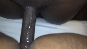 Super wet pussy gets fucked