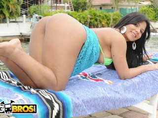 BANGBROS - The Way Rose Monroe Moves That ASS Will Hypnotize You