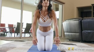 BRAZZERS - Our Queen Is Back - Lisa Ann in her first Anal scene in 3 years Latina bros
