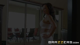BRAZZERS - Our Queen Is Back - Lisa Ann in her first Anal scene in 3 years Friendly female