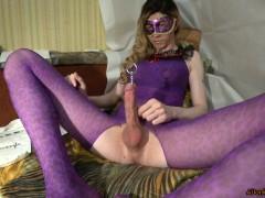 TS-girl testing deep uretrus