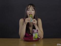 Porn Stars Eating: Lexi Luna swallows a Hot Pickle ASMR