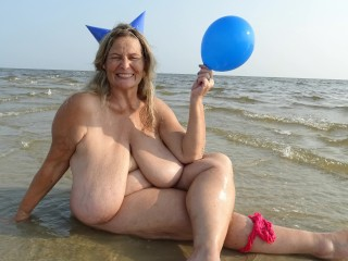 Beach balloon party hat includes 155...