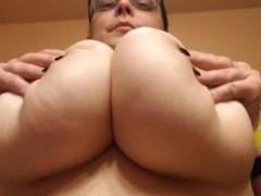 Big Natural Tits Upward View! Boob Bouncing Play, Thick & Stacked! H Cup