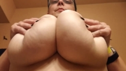 Big Natural Tits Upward View! Boob Bouncing Play, Thick & Stacked! H Cup