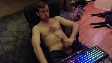 Shirtless canadian dude jerks off (no cum) home made amateur porn hot wank