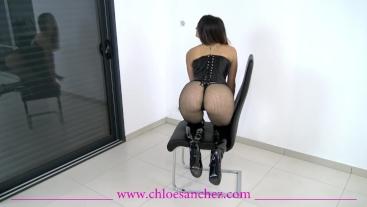 Chloé Sanchez en dominatrice / BDSM