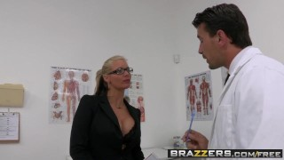 BRAZZERS - Dirty milf Phoenix Marie wants that Doctor Cock