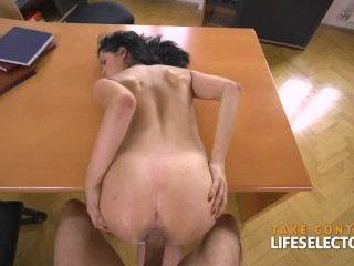 Fucking college girls and the squirting school psychologist POV