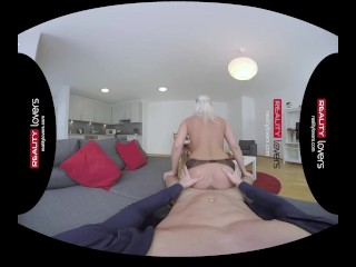 RealityLovers VR – Sexy German Milf joyriding