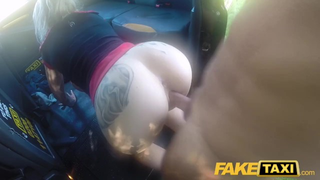 Fake Taxi Blondine Squirt