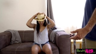 Bratty Sis - She Agrees To Give Her StepBro A Handjob S6:E12
