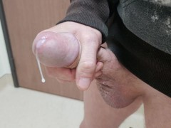 Jacking a big dick