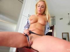Mature Scottish Blonde Amber Deen Public MILF Play