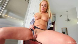 Mature Scottish Blonde Amber Deen Public MILF Play