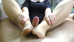 Teen Nylon FootJob - Cumshot on Feet