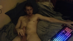 young naked stud jerking it in bed,horny bisexual guy showing off on webcam