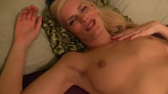 Welcome home from work. SexPOV.com Virtual Sex 49
