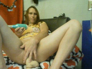 deedeedarkness Tgirl takes her big one and cums hard!
