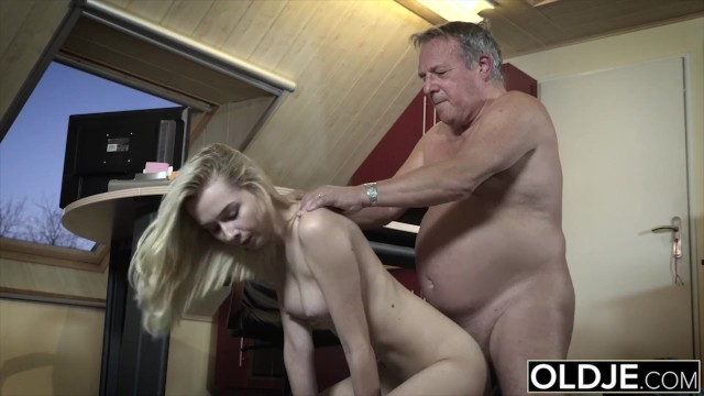Hot daughter gets fucked by step dad This Girl Has Sex With Her Stepdad And She Is So Fucking Hot Pornhub Com