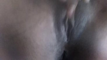 GET CLOSE UP ON THE PUSSY!! CUM SHOT- FACE FORWARD