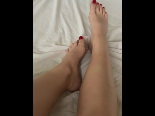Quickly showing off my feet